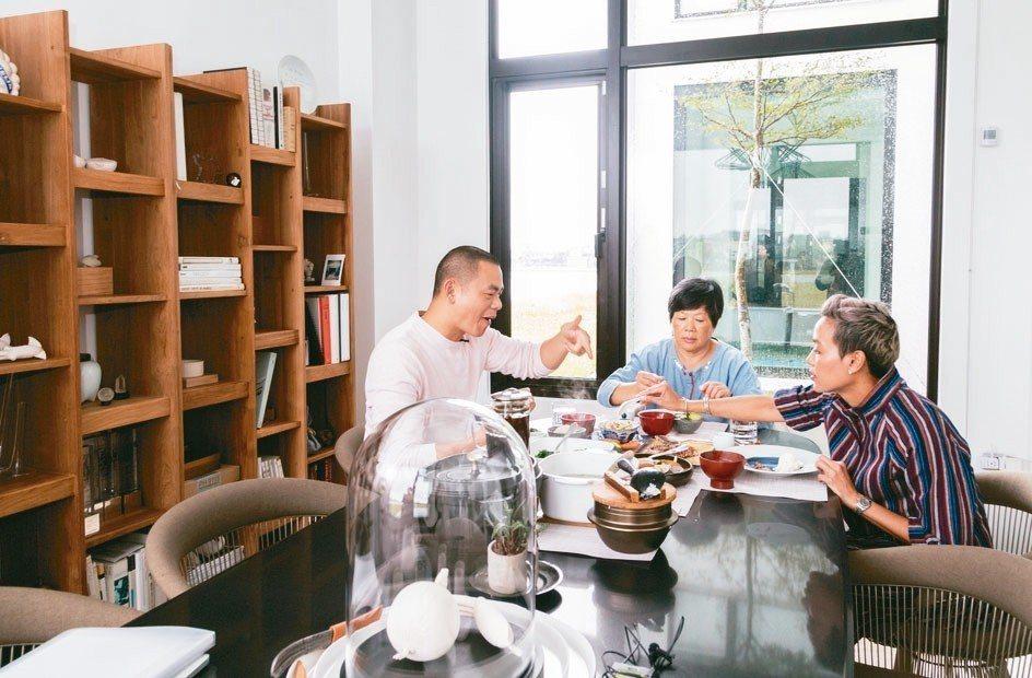 江家任何一餐都是餐廳水準。 圖/陳立凱攝影、江振誠提供