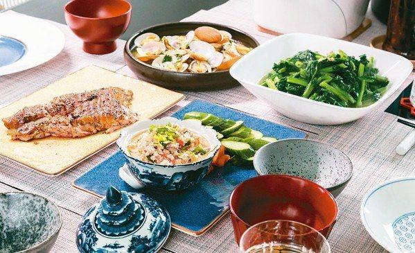 這一桌菜有媽媽味、太太味和米其林星廚的手藝。 圖/陳立凱攝影、江振誠提供