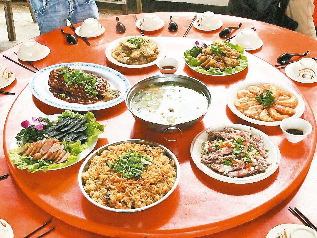 深澳天福宮漁村海鮮美食。 圖/觀旅局提供