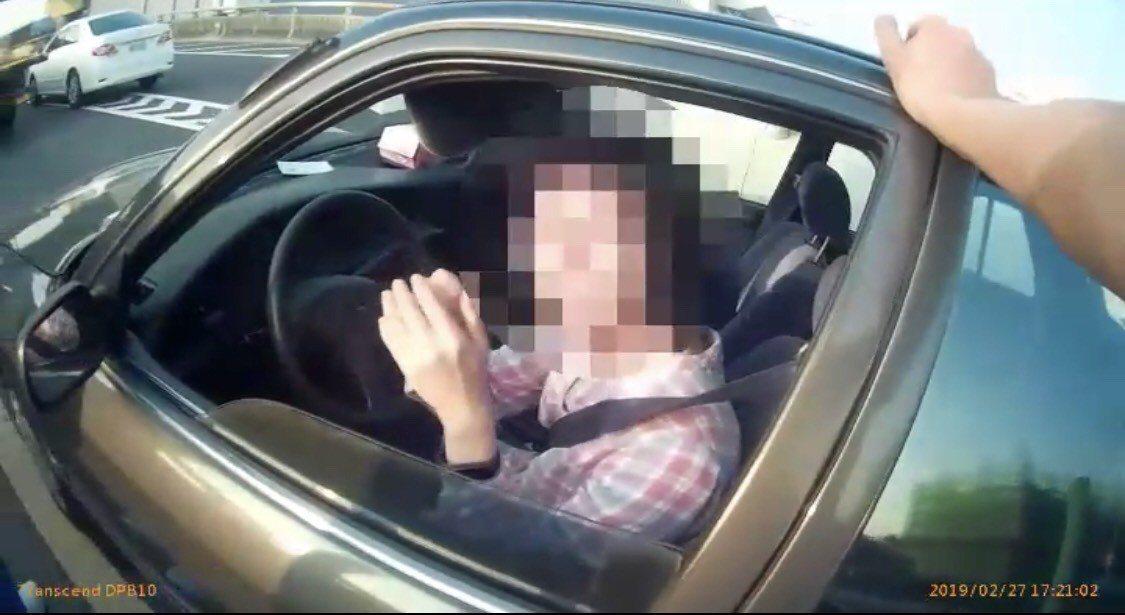 陳姓女駕駛感謝警方熱心協助。記者劉星君/翻攝