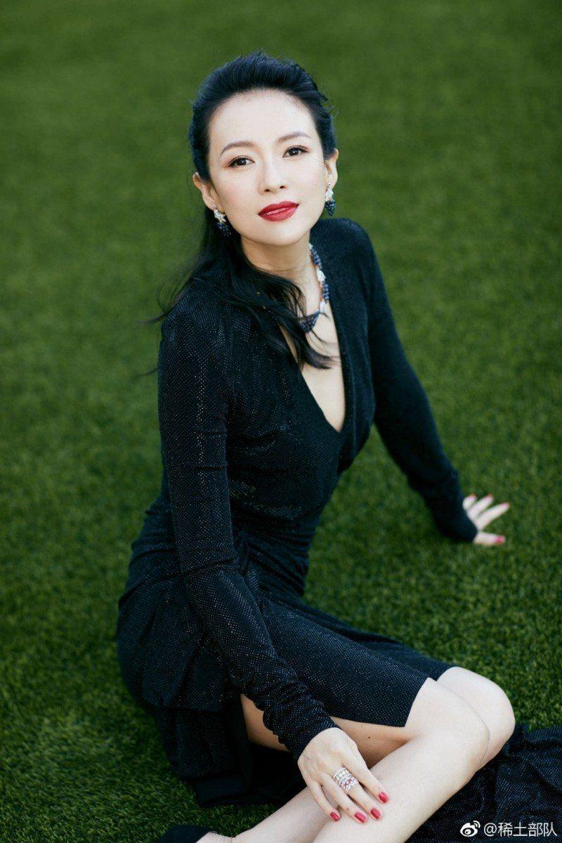 章子怡傳出被范冰冰天價片酬影響,導致片酬大減,她出席活動僅呼籲「演員要自律」。圖