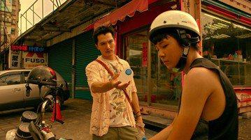 台灣電影「誰先愛上他的」去年勇奪金馬獎、台北電影獎等多項大講,成績斐然,2月1日登上Netflix,讓全球超過190個國家可以在網路上欣賞到這部作品,迄今不但收到來自世界各地的觀眾熱烈迴響,更榮登紐...