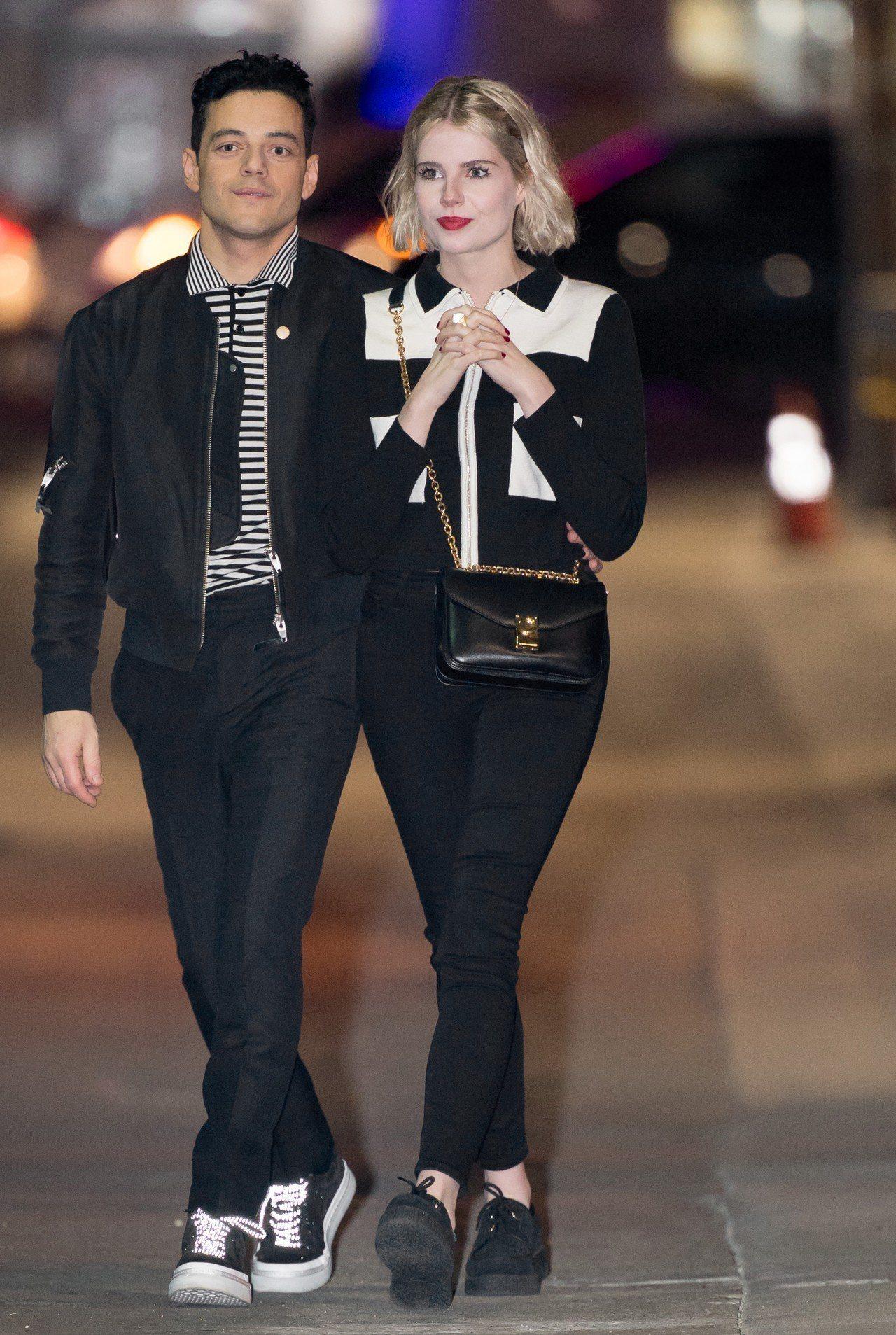 《波希米亞狂想曲》露西波頓以C Bag和雷米馬利克並肩出席相關活動。圖/CELI...