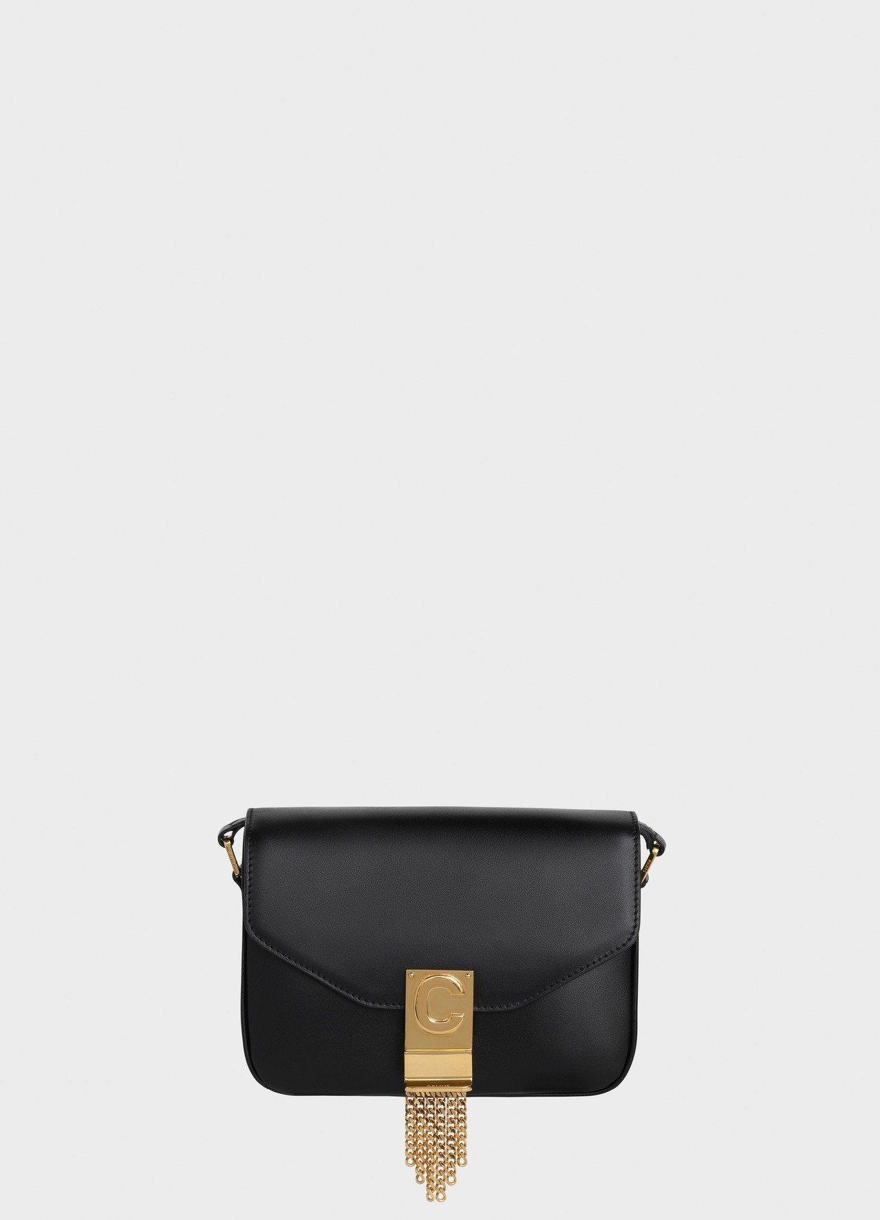 C Bag黝黑色光滑小牛皮小型流蘇鍊帶包,售價87,000元。圖/CELINE ...