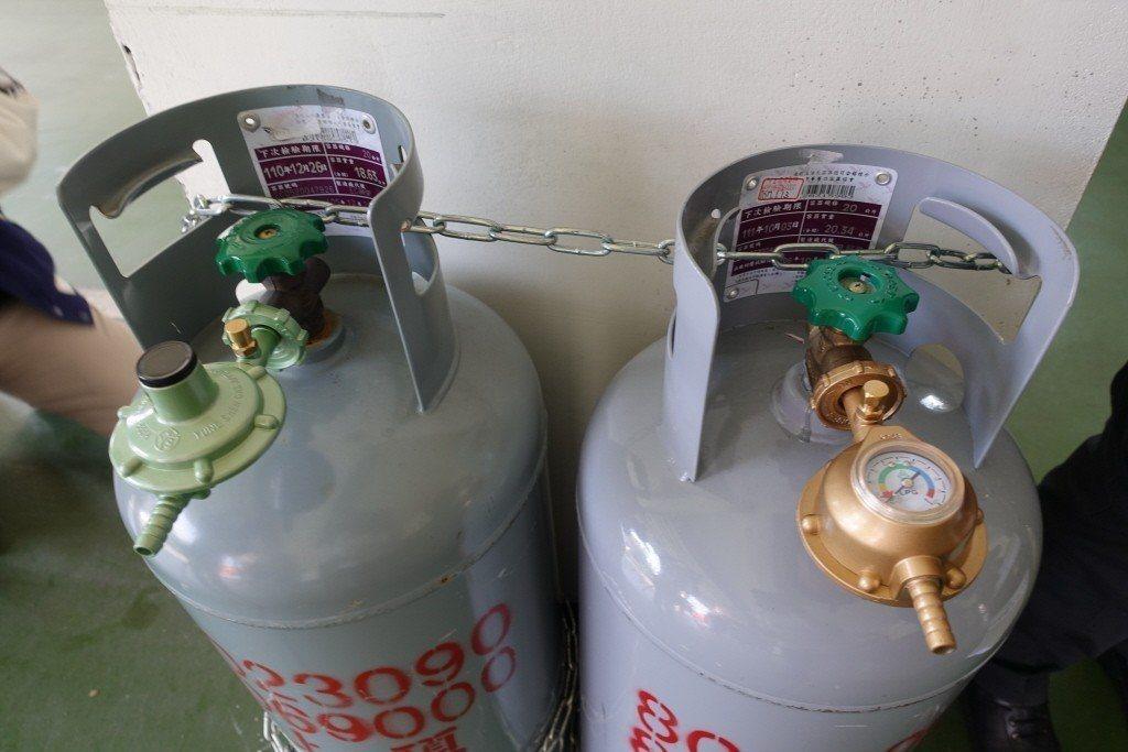 中油公司今天宣布,自明天凌晨零時起,桶裝瓦斯每公斤調漲1.2元。 聯合報系資料照...