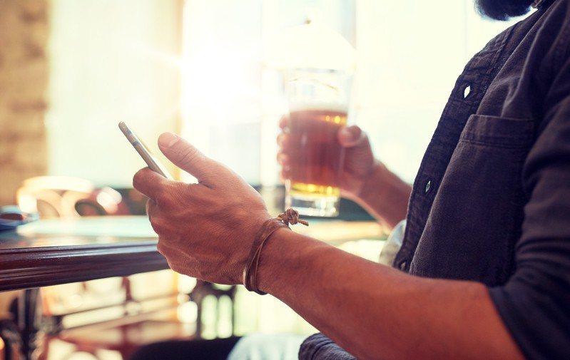 示意圖。台灣也有不少精釀啤酒,值得品嚐。圖/ingimage   ※ 提醒您:禁止酒駕 飲酒過量有礙健康