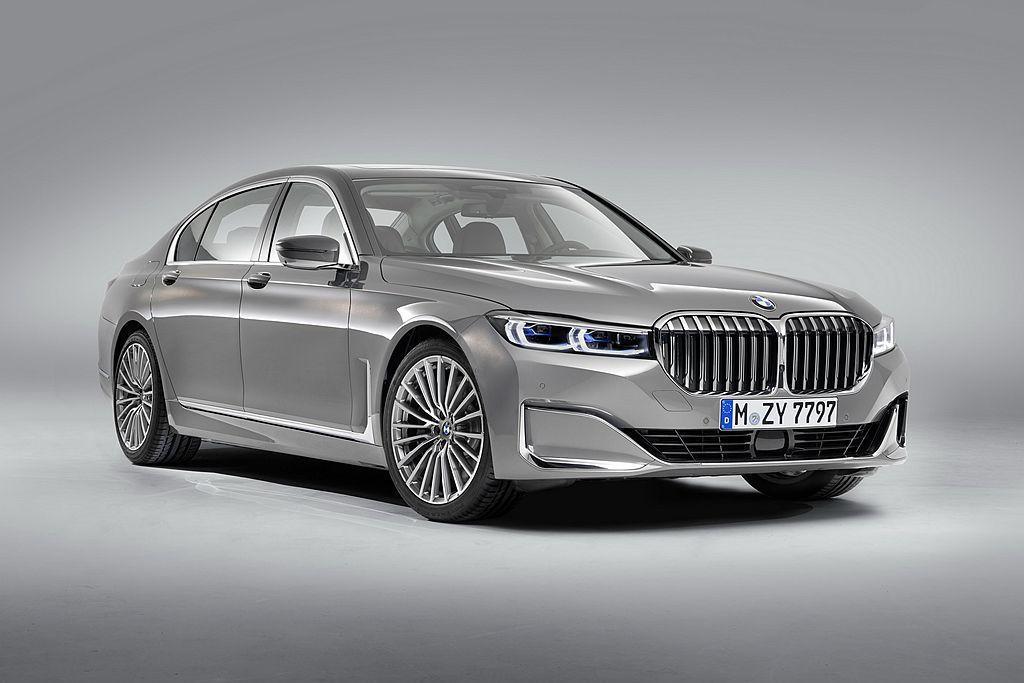 小改款BMW 7-Series車頭換上面積增加40%的雙腎形水箱護罩,內裝導入B...