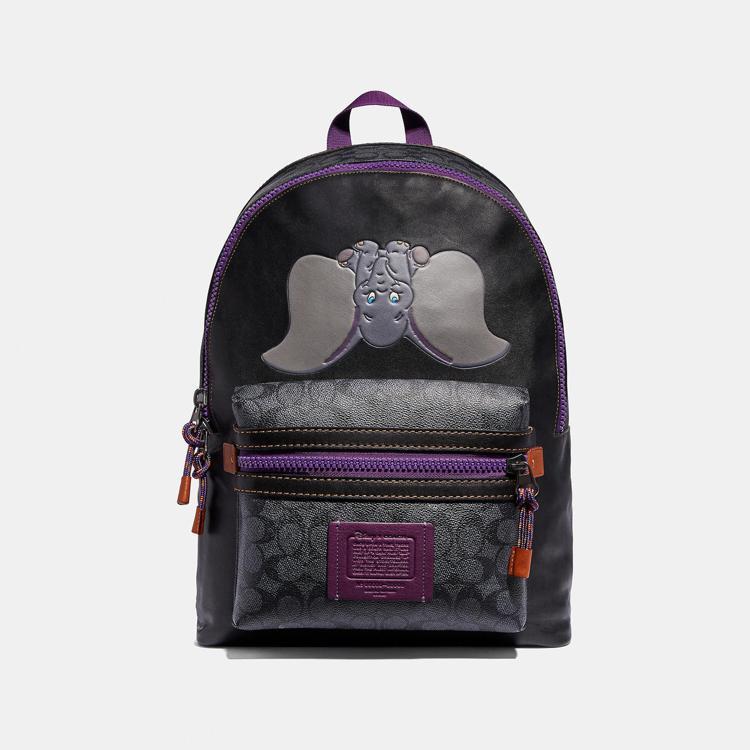 Disney x COACH Dumbo印花多功能後背包,售價25,800元。圖...