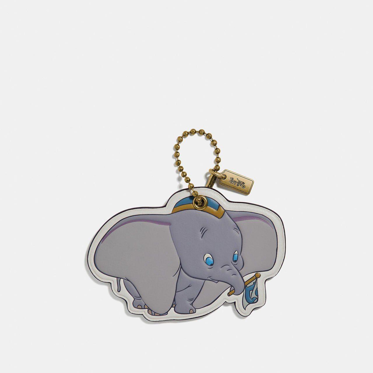 Dumbo吊牌,售價1,900元。圖/COACH提供