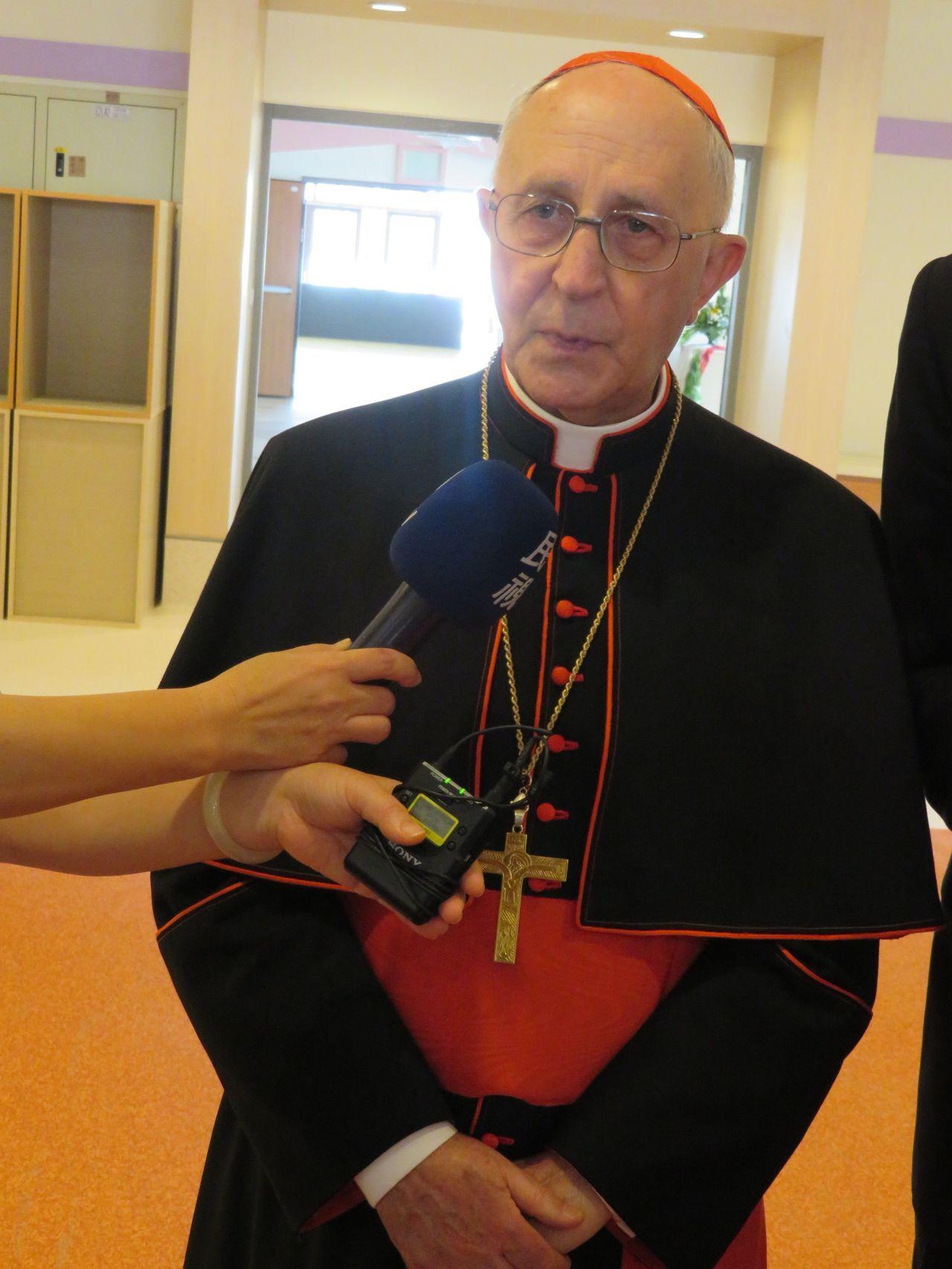 天主教教宗方濟各派特使、萬民福音傳播部長費洛尼樞機主教抵台訪問,他說,台梵邦誼如...