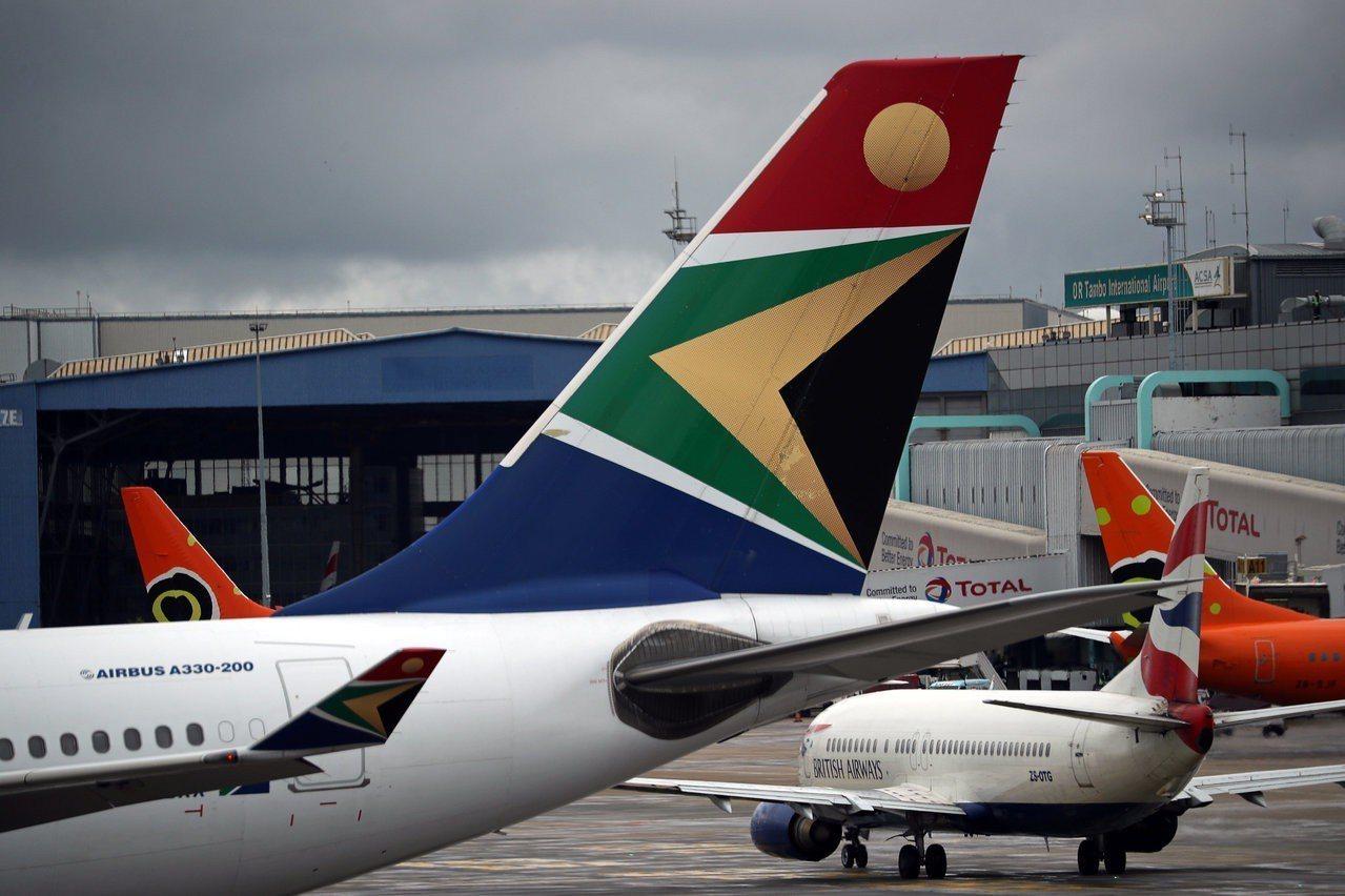 南非航空(SAA)一名飛行員沒有長途國際航班駕駛執照(ATPL),卻飛了20多年...