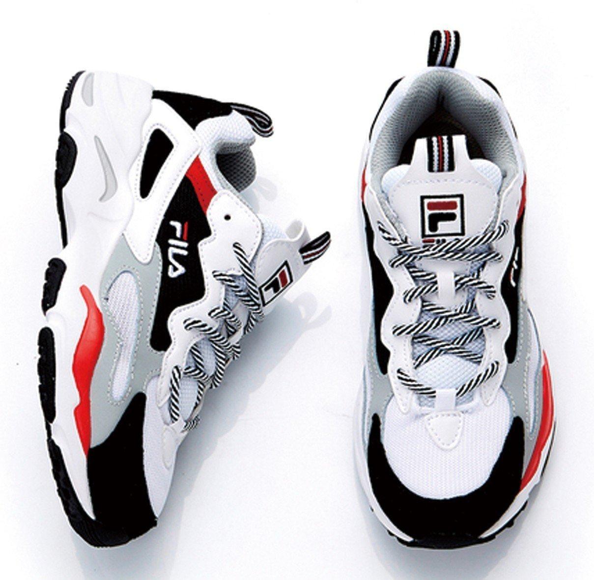 FILA限量復古老爹鞋2,480元。圖/新光三越提供