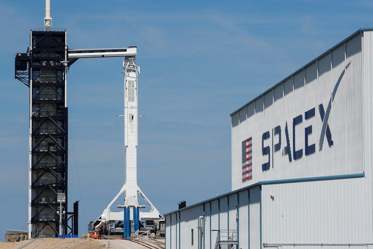 SpaceX太空船即將發射,上面放假人收集數據。路透