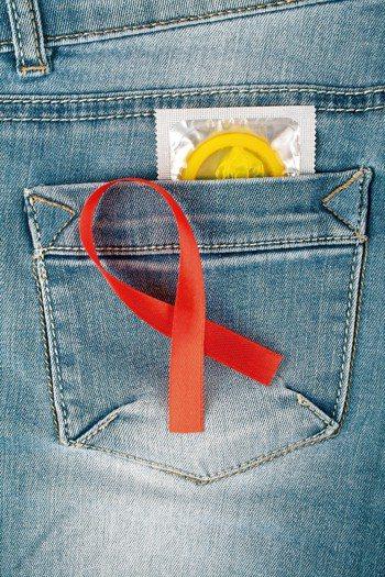 據衛福部疾管署最新資料統計,去年我國愛滋病毒(HIV)感染人數增加1993人,平...