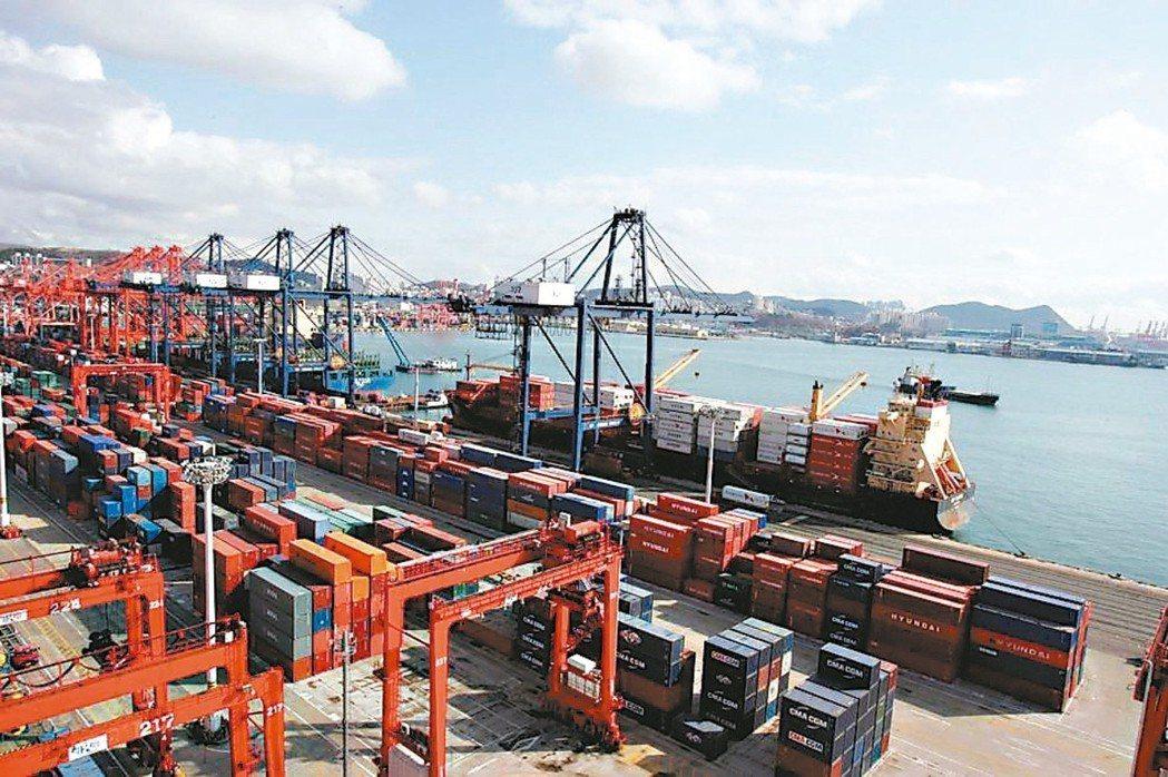 財部預估2月出口連四月負成長。 本報系資料庫
