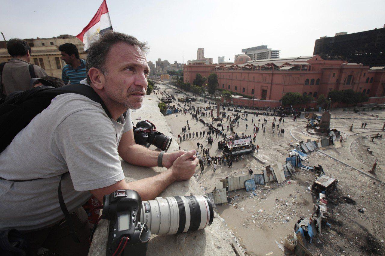 路透社得到普立茲獎的攝影記者貝拉基斯昨天不敵癌症過世,享年58歲。 美聯社
