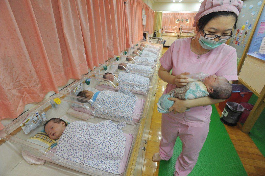 網傳溫暖的天候較容易生出男孩,但中山醫院婦產科主治醫師郭安妮指出,生男、生女的機...