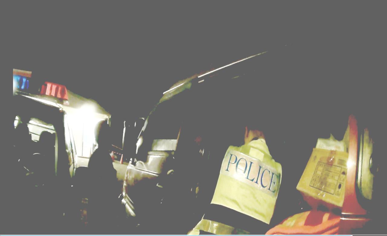 台東縣大武警分局森永派出所警員馮應鈞,憑藉個人學經歷日前深夜助民脫困。記者羅紹平...