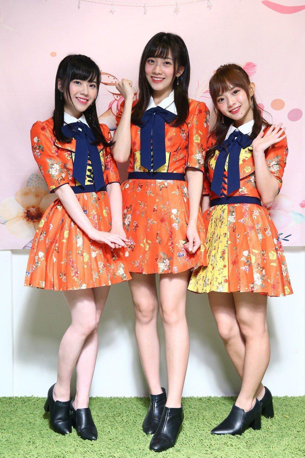 AKB48 Team TP成員邱品涵(左起)、冼迪琦、陳詩雅。記者葉信菉/攝影