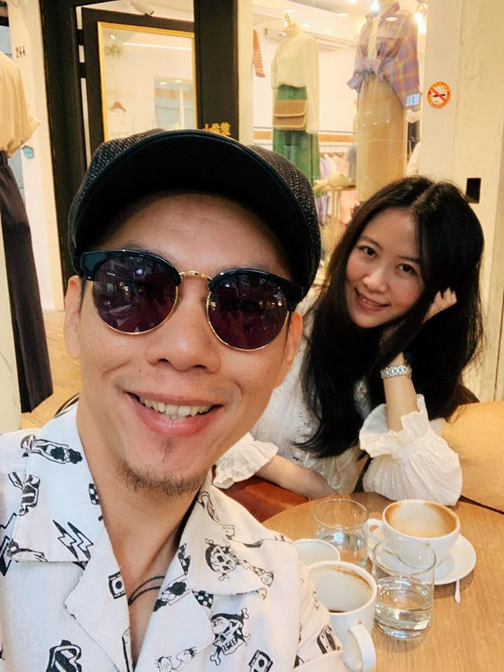 林宗興(左)跟老婆結婚4年多。圖/摘自臉書