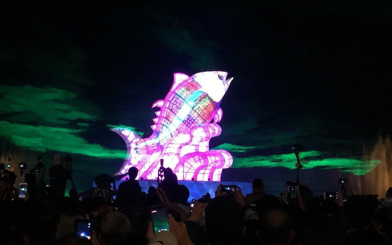 「巨鮪來富」主燈將永留大鵬灣,成為大鵬灣的新地標。記者翁禎霞/攝影