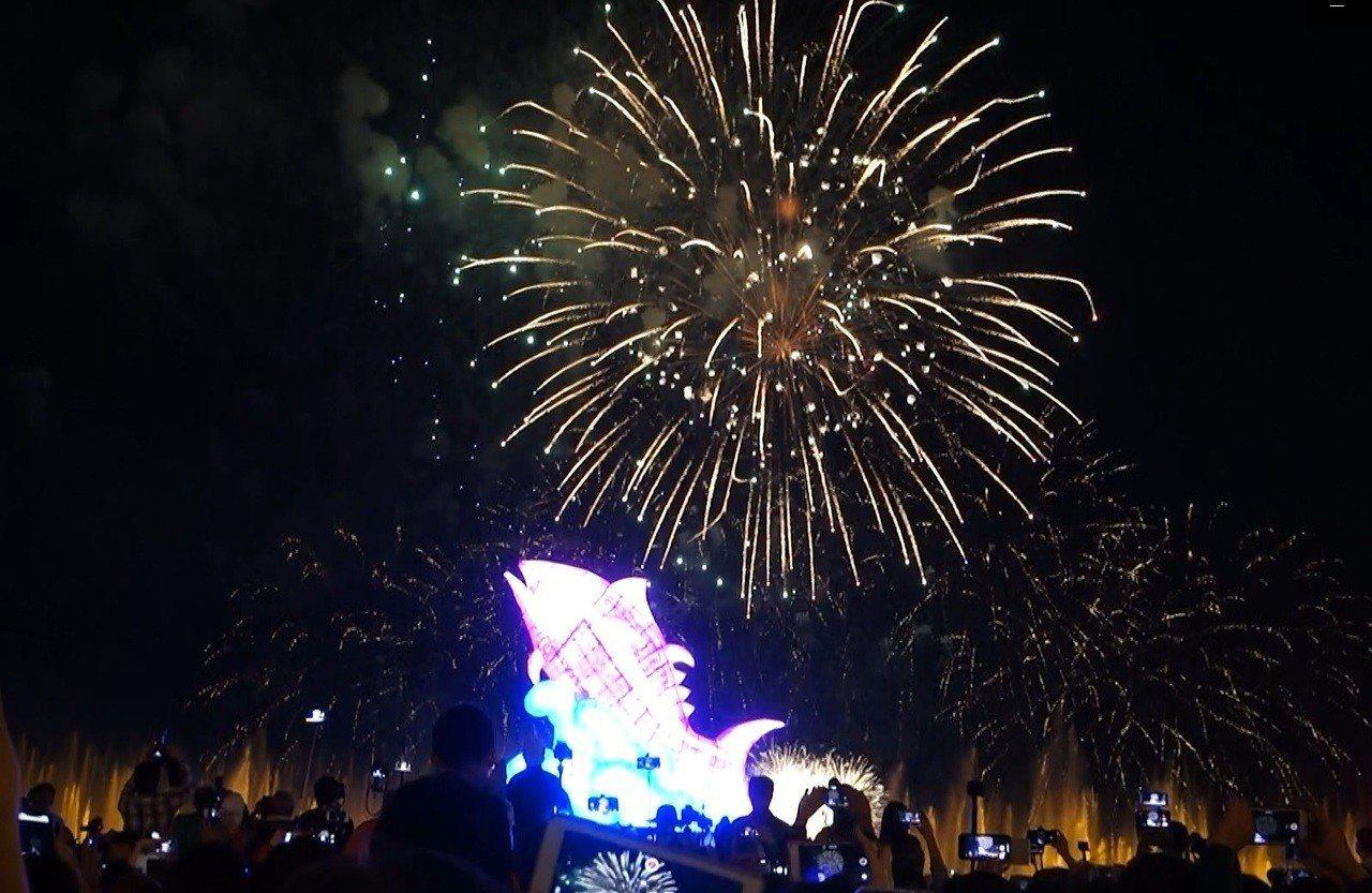 台灣燈會今晚在6分鐘的煙火秀中完美閉幕。記者翁禎霞/攝影