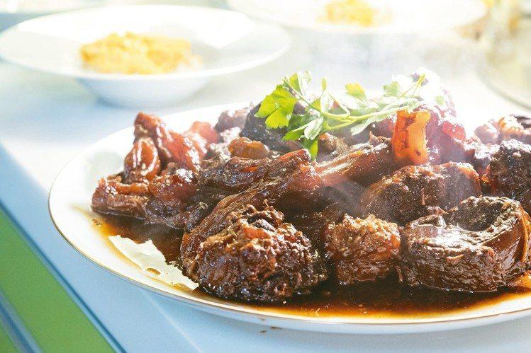 紅燒牛肉是宣一宴經典菜。 陳立凱/攝影