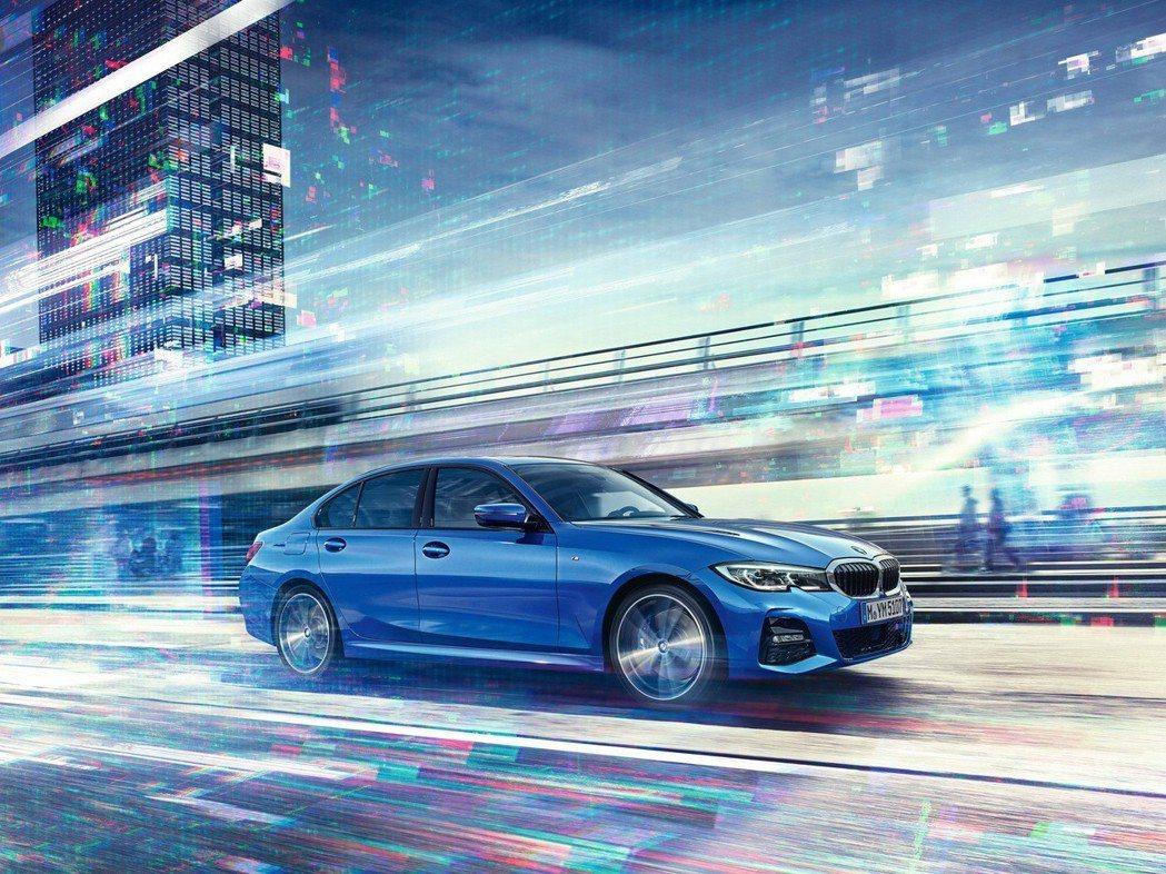 全新世代BMW 3系列擁有同級最低0.23Cd風阻係數,展現優異操控性能。 圖/汎德提供