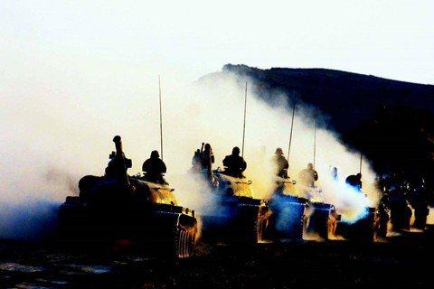在塔吉克出現中國軍事人員的足跡,便會衍生原則問題,公開破壞俄羅斯的權威。基於此原...