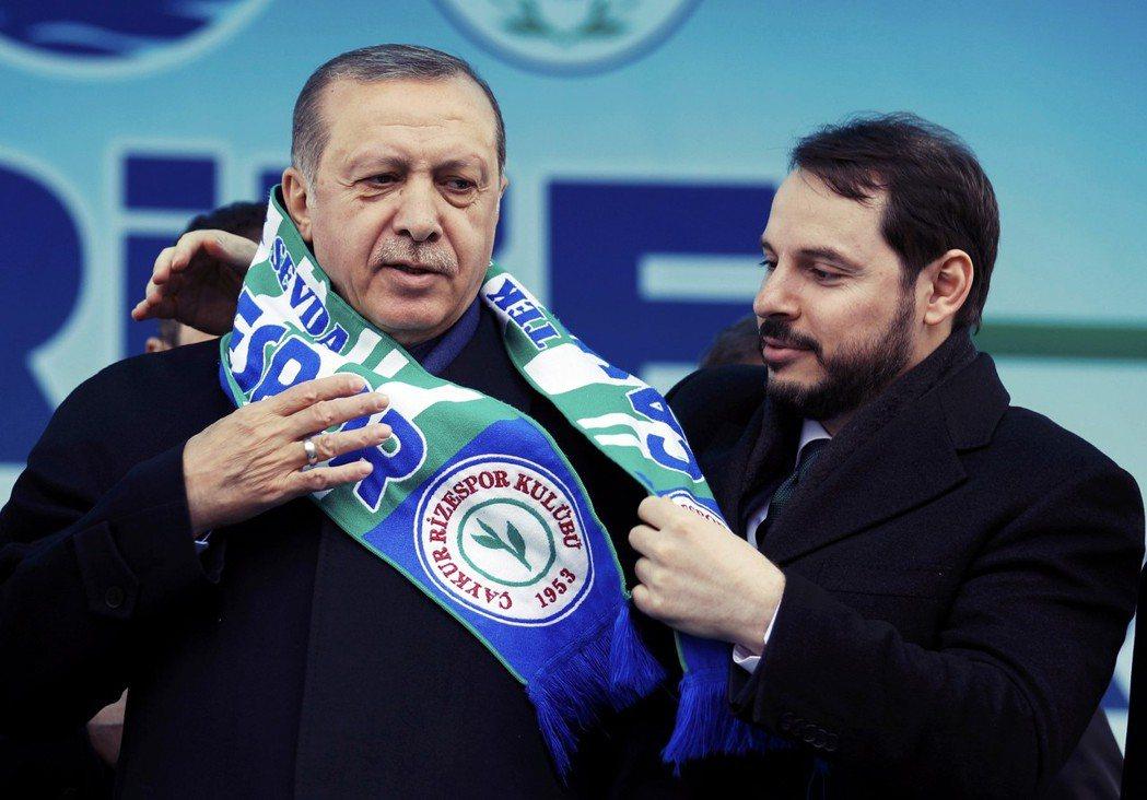 厄多安政府傾全力支持國內營造業。去年土耳其財政部長,同時也是總統女婿的阿巴拉克(...