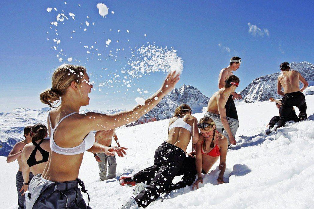 瑞典全國學校每年2月都有一周的「體育假」,讓青少年們能有時間體驗自然生活。圖為假...