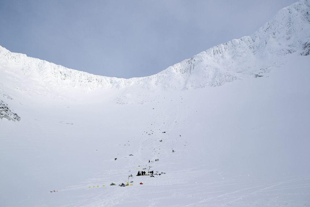 瑞典社會對於山野中偶發的急難事件,態度相對寬容——因為大家都了解進入自然就有風險...
