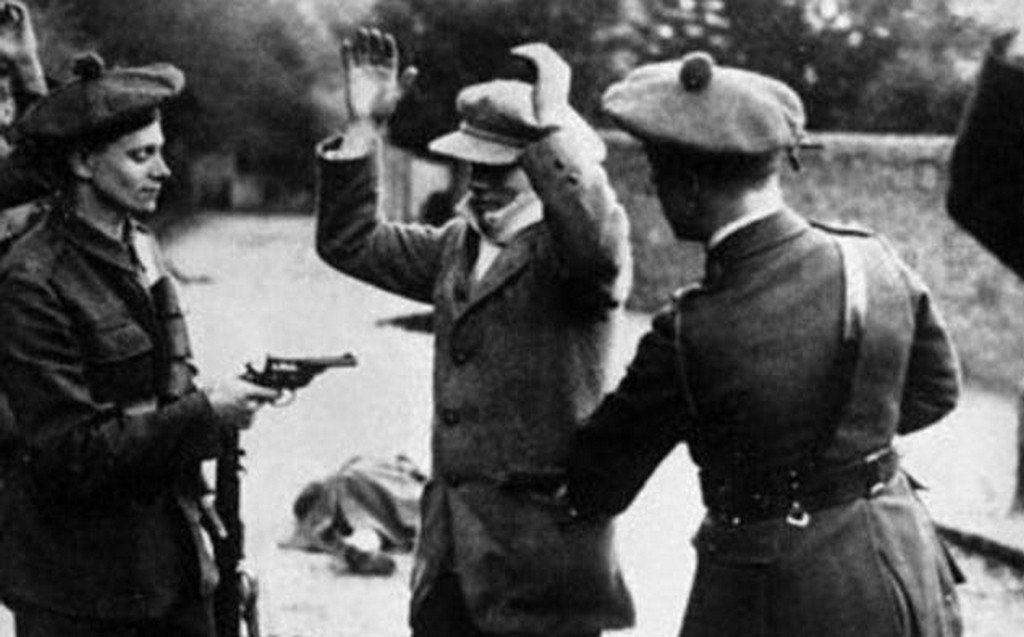 當時主張「建立愛爾蘭共和國」的聲浪,被大不列顛認定與共產主義勾結,長老會認為愛爾...