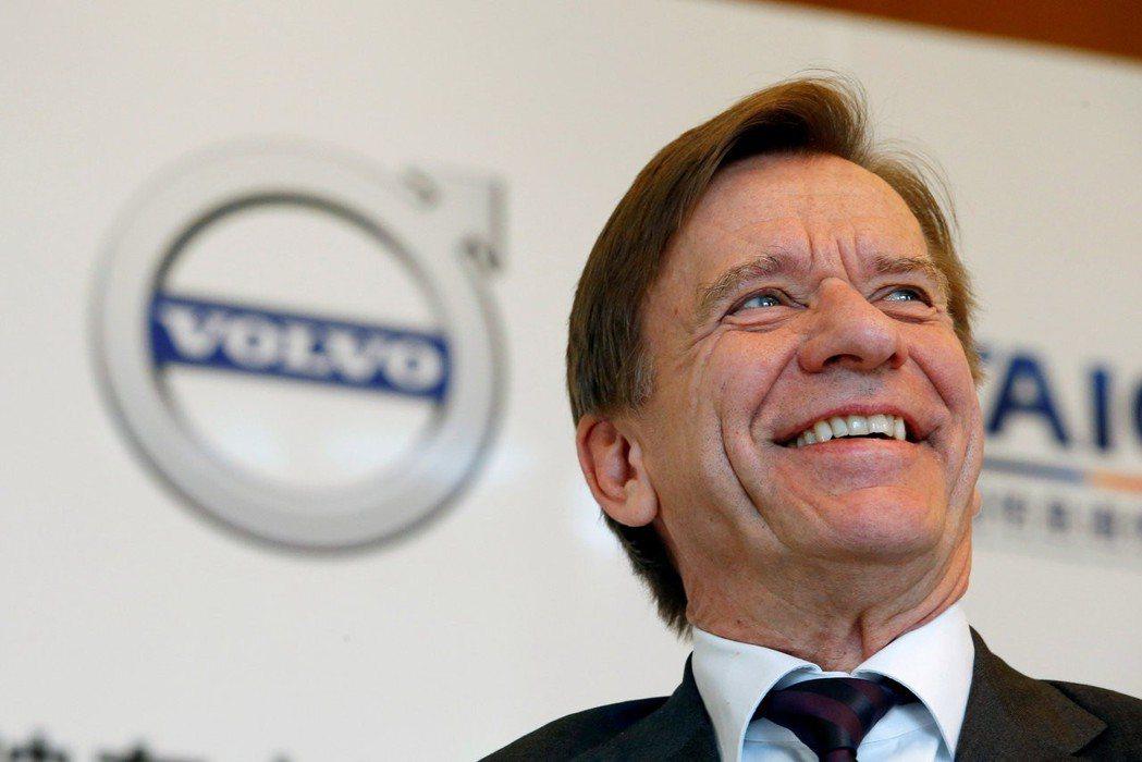 Volvo執行長薩繆爾森宣布,明年起所有新車款最高時速降至每小時112英里。(圖...