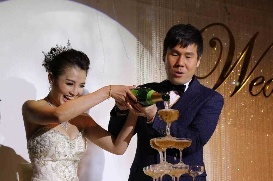 江泳錡與老公幸福完婚。圖/創譯文樺提供
