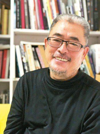 藝術家陳建北舉辦「助產序曲」個展。 記者何定照/攝影