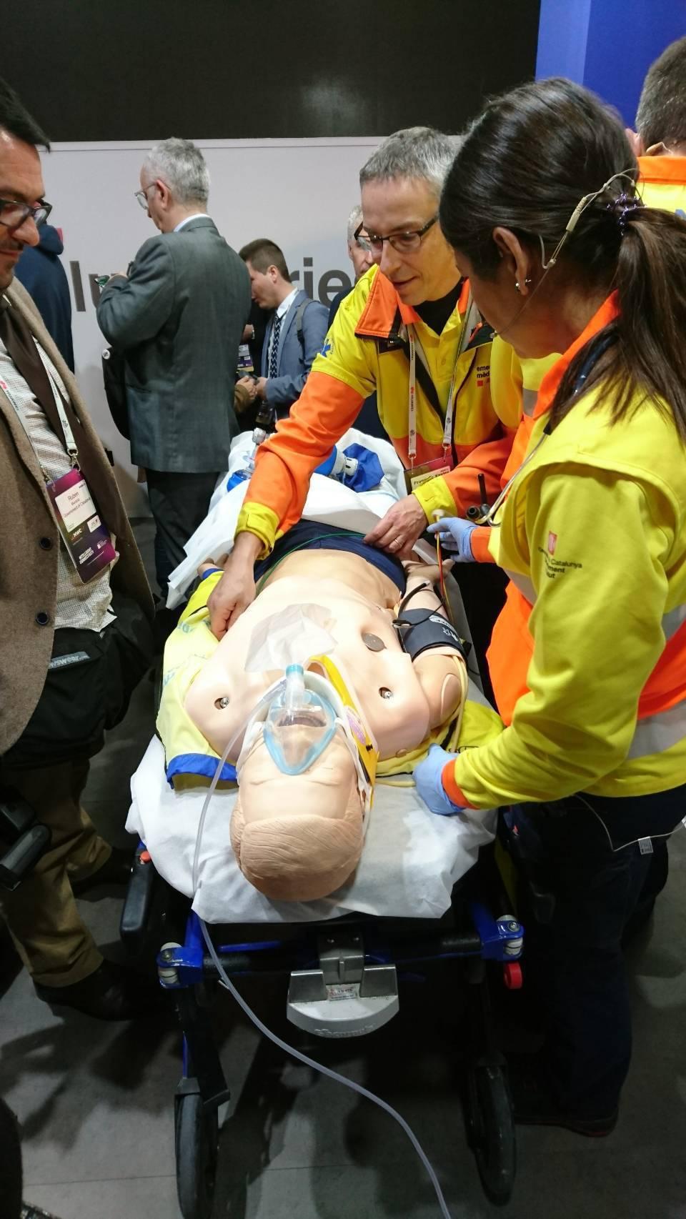 參訪加泰隆尼亞政府5G救護車。 臺南市政府/提供