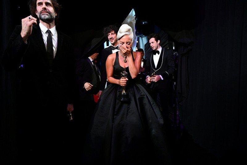 奪得最佳原創歌曲的女神卡卡(Lady Gaga)。 圖/路透社