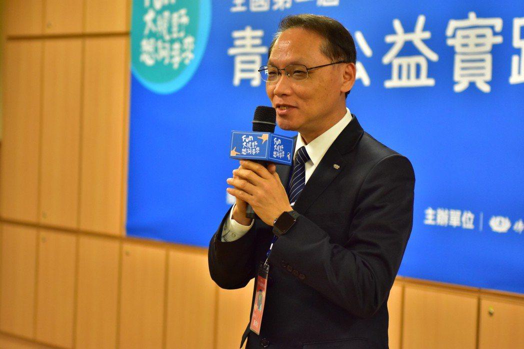 慈濟基金會執行長顏博文鼓勵年輕人多用創意做公益。圖/慈濟基金會提供