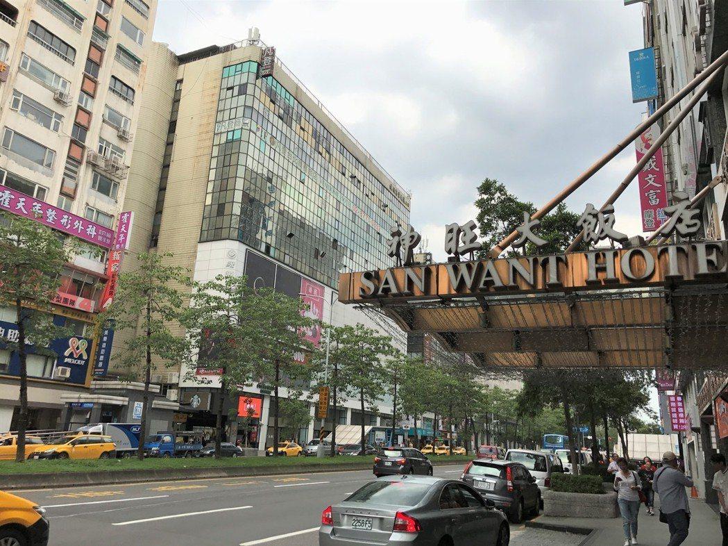 台北市長柯文哲日前受訪表示研擬徵收空店稅,引發不少人反對。記者游智文/攝影
