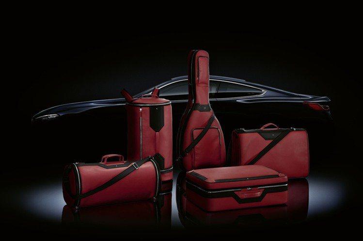 全球限量15組的Montblanc x BMW行李套組目前已在慕尼黑BMW We...