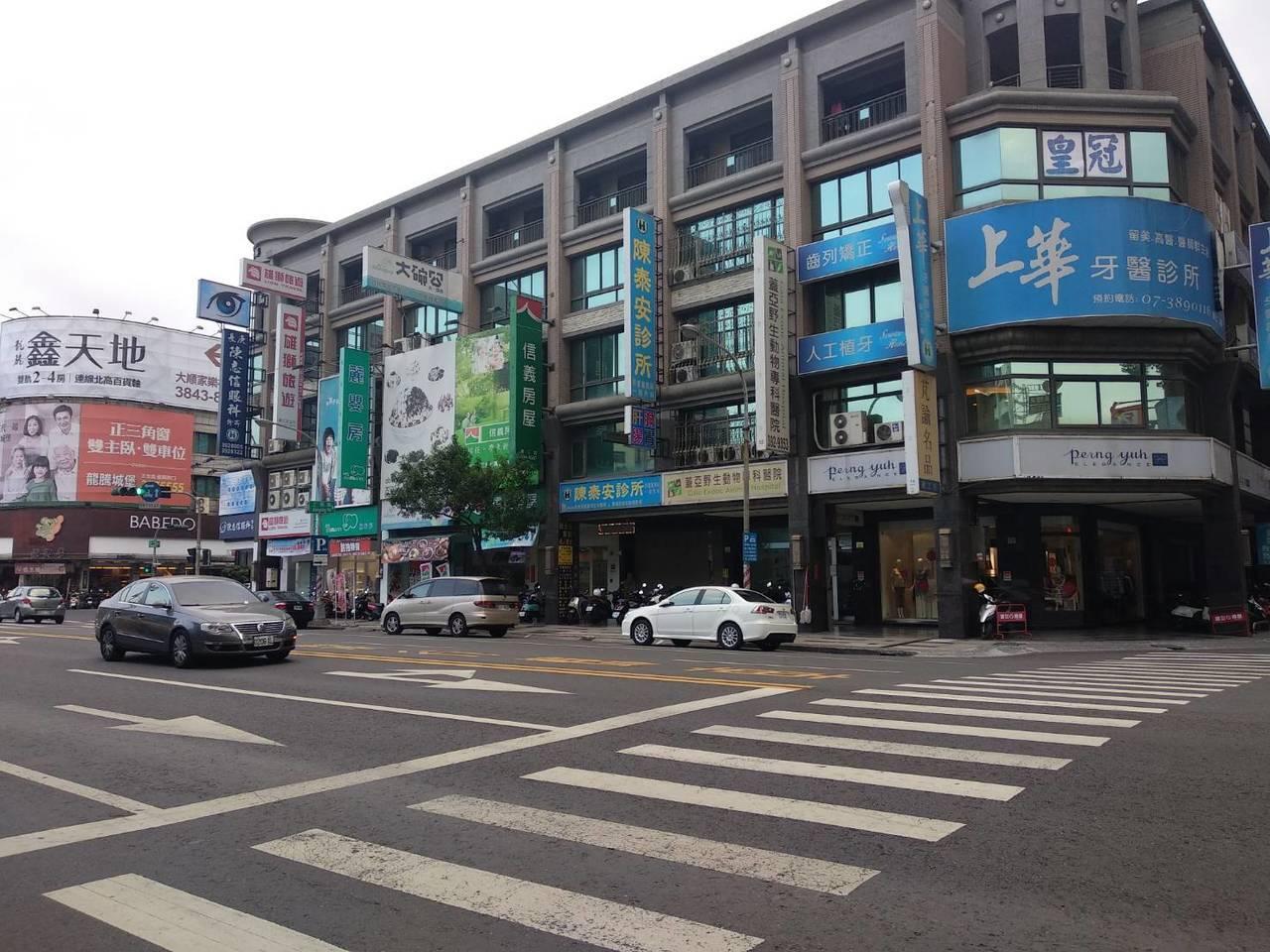 高雄市三民區是高雄市傳統成熟商圈,店面行情夯。記者謝梅芬/攝影