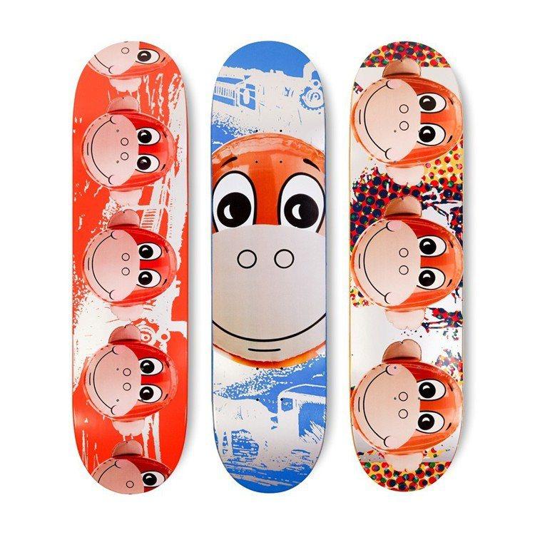拍品之一為Jeff Koons滑板組。圖/羅芙奧藝術集團提供