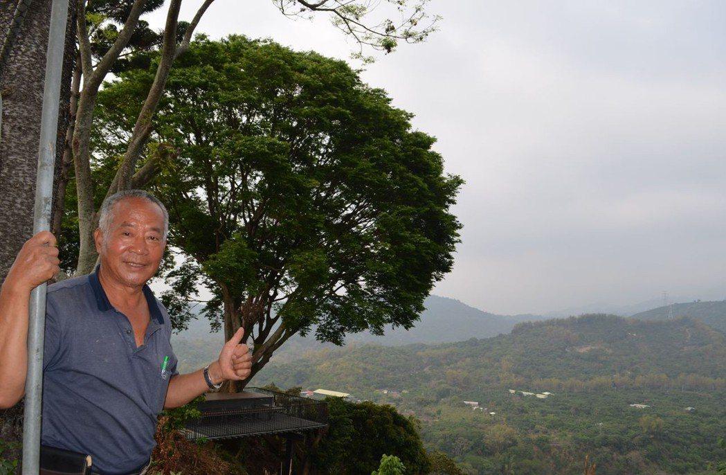 吳森富守著山林,守著農場,提供人們一處悠然樂活的好地方。  陳慧明 攝影