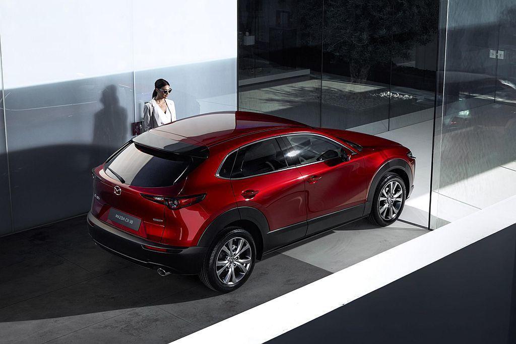 Mazda CX-30尺碼為長4,395mm,寬1,795mm,高1,540mm...