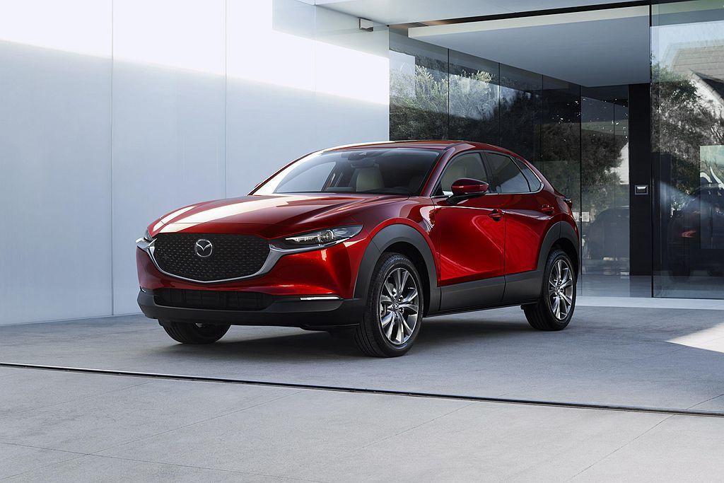 第89屆瑞士日內瓦車展正式登場,Mazda也掀開新休旅CX-30的神秘面紗。 圖...