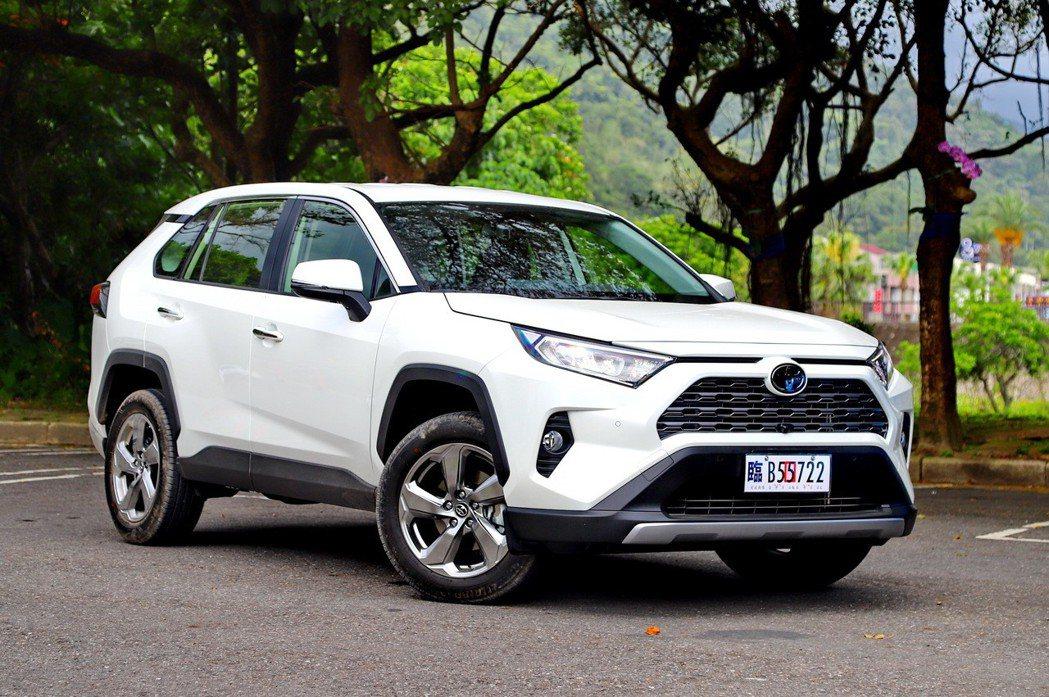 2.0白色汽油車型依然是RAV4最受歡迎的組合。 記者張振群/攝影
