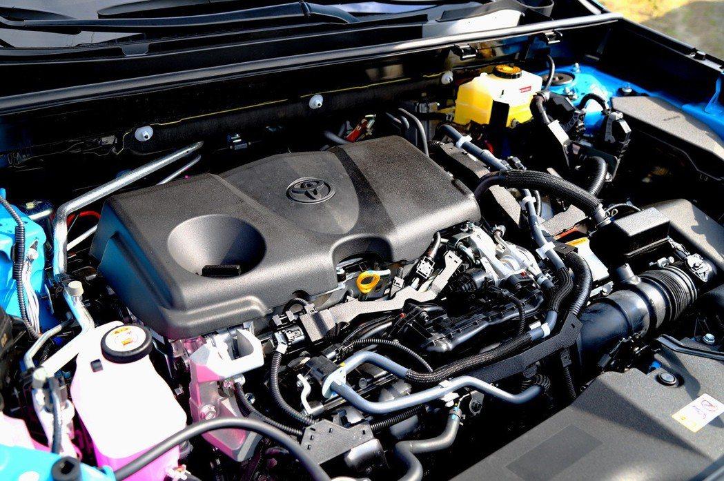 油電車型搭載2.5L Dynamic Force Hybrid引擎及E-CVT無...