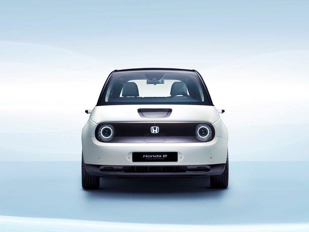 Honda e Prototype是款五門掀背純電小車。 摘自Honda