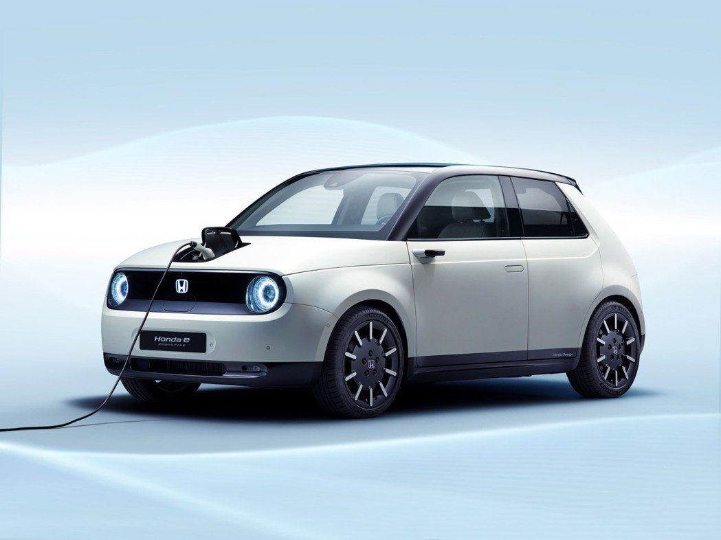 Honda e Prototype 是款後輪驅動的純電小車。 摘自Honda